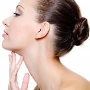 Лазерная липосакция шеи и овала лица